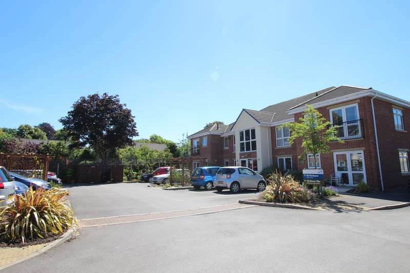 2 Bedrooms Apartment Flat for sale in Cricketers Way, Holmes Chapel, Crewe, CW4
