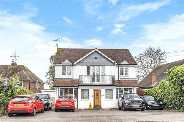 5 Bedrooms Detached House for sale in Wokingham Road, Earley, Reading