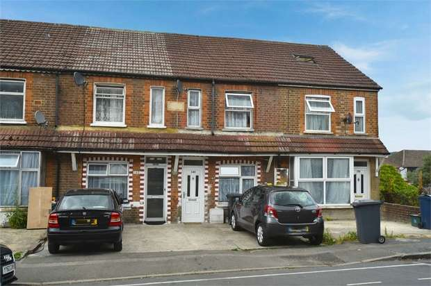 4 Bedrooms Terraced House for sale in Kitchener Road, High Wycombe, Buckinghamshire
