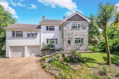 4 Bedrooms Detached House for sale in Breage, Helston, Cornwall