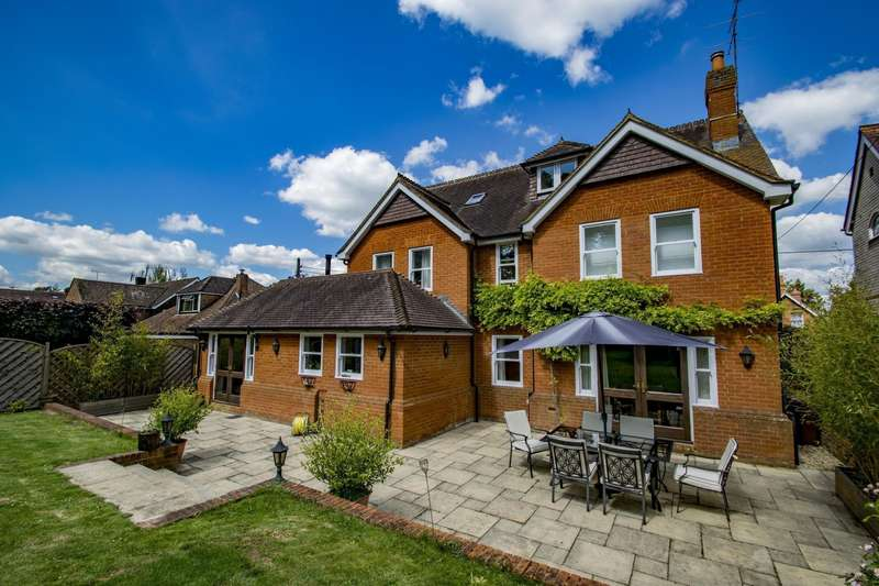 6 Bedrooms Detached House for sale in Milldown Road, Goring on Thames, RG8