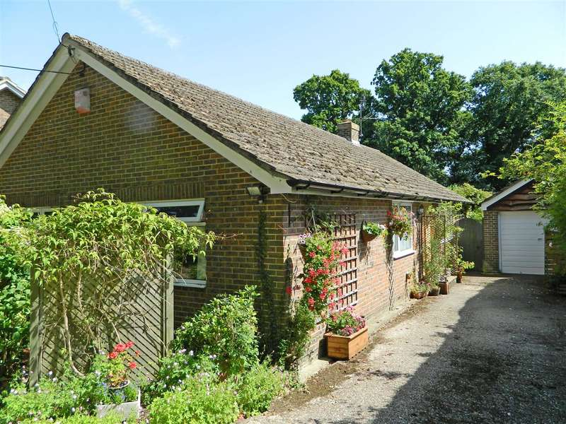 3 Bedrooms Bungalow for sale in The Haven, Hill Grove Lane, Northchapel