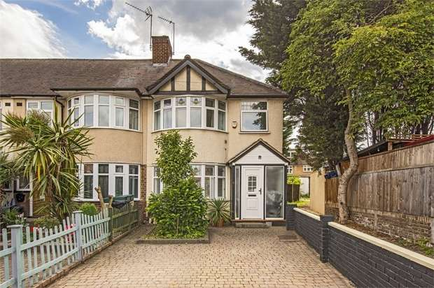 3 Bedrooms Semi Detached House for sale in Amhurst Gardens, Isleworth, Middlesex