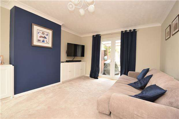 4 Bedrooms End Of Terrace House for rent in Churchill Drive, Charlton Kings, CHELTENHAM, GL52