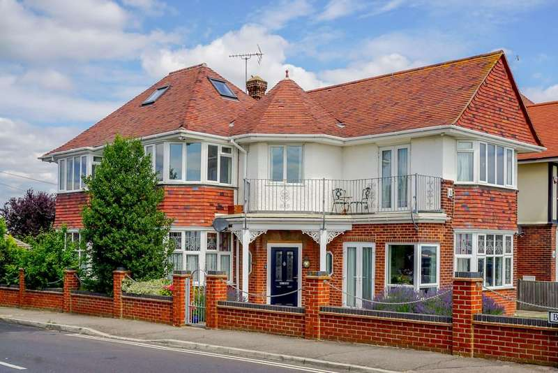5 Bedrooms Detached House for sale in Marine Parade, Dovercourt