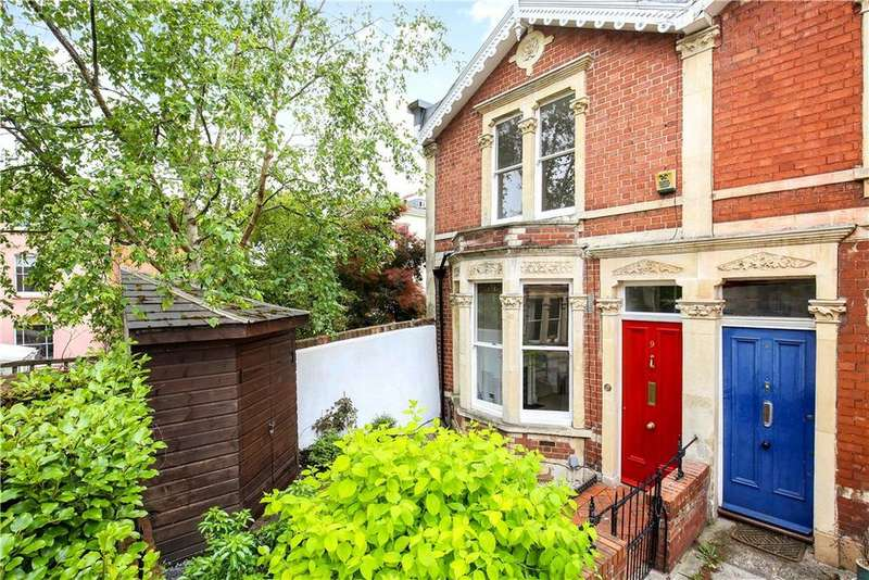 2 Bedrooms Terraced House for sale in Hill View, Clifton, Bristol, BS8