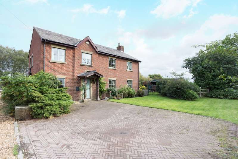 4 Bedrooms Detached House for sale in Pocket Nook Lane, Lowton, Warrington, WA3
