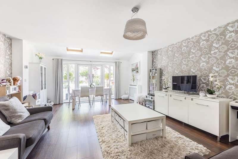 4 Bedrooms House for sale in Whitlock Avenue, Wokingham, RG40