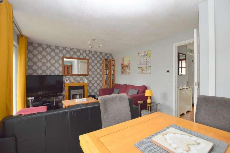 3 Bedrooms Terraced House for sale in Copenhagen Close, Marsh Farm, Luton, Bedfordshire, LU3 3TE