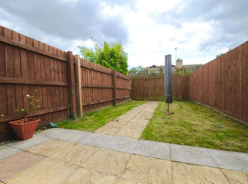 2 Bedrooms Terraced House for sale in Falstaff Close, Cirencester