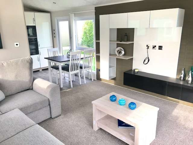 2 Bedrooms Caravan Mobile Home for sale in Hall More Holiday Park, Cumbria