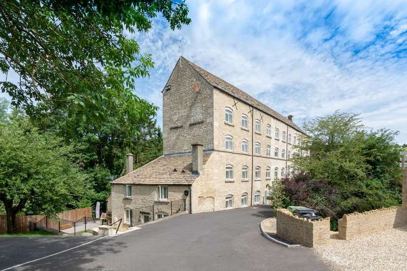 3 Bedrooms Penthouse Flat for sale in Avening Mill, Avening