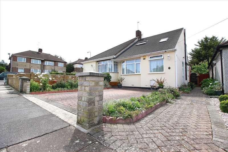 4 Bedrooms Bungalow for sale in Caernarvon Drive, Ilford