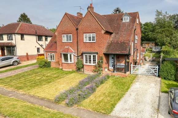 4 Bedrooms Detached House for sale in East Carlton Park, East Carlton