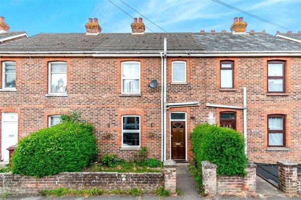 2 Bedrooms Terraced House for sale in Second Avenue, Southbourne, Emsworth