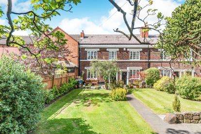 3 Bedrooms Terraced House for sale in Highfield Road, Widnes, Cheshire, WA8