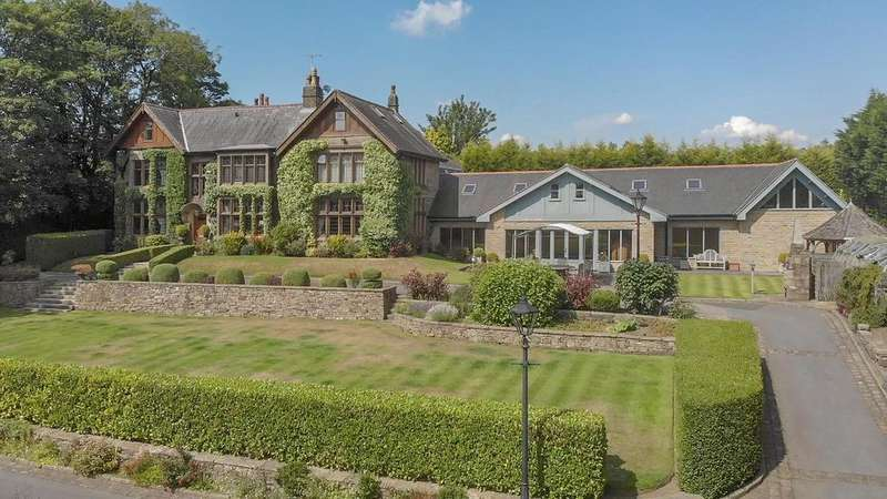 7 Bedrooms Detached House for sale in Norden Road, Bamford, Rochdale