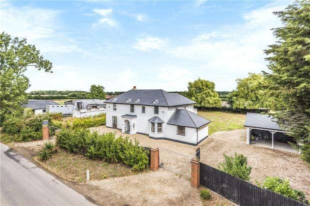 5 Bedrooms Detached House for sale in Crouch Lane, Winkfield, Windsor