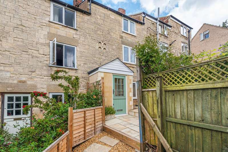 2 Bedrooms Terraced House for sale in Stroud