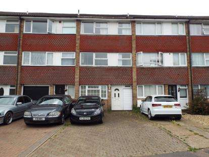4 Bedrooms Terraced House for sale in Swasedale Road, Luton, Bedfordshire, United Kingdom