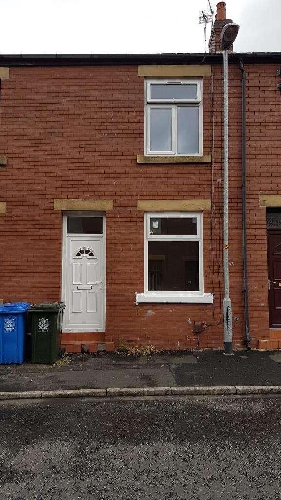 2 Bedrooms Terraced House for sale in Berwick Street, Rochdale, OL16 5DT