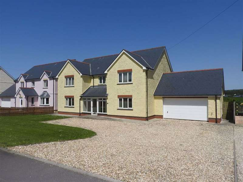 4 Bedrooms Detached House for sale in Bowls Road, Blaenporth, Cardigan, Ceredigion