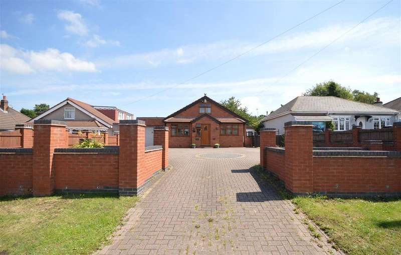 3 Bedrooms Bungalow for sale in Holly Lane, Marston Green
