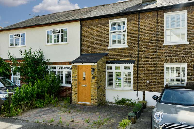 2 Bedrooms Property for sale in Rushett Close