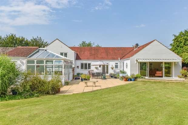 5 Bedrooms Detached Bungalow for sale in Thaxted, Dunmow, Essex