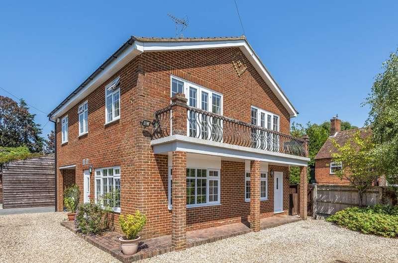 4 Bedrooms Detached House for sale in Mortimer