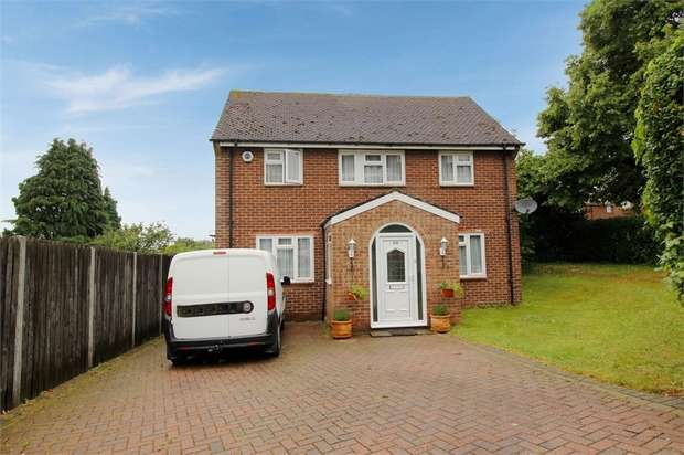 3 Bedrooms End Of Terrace House for sale in Rye Crescent, Orpington, Kent