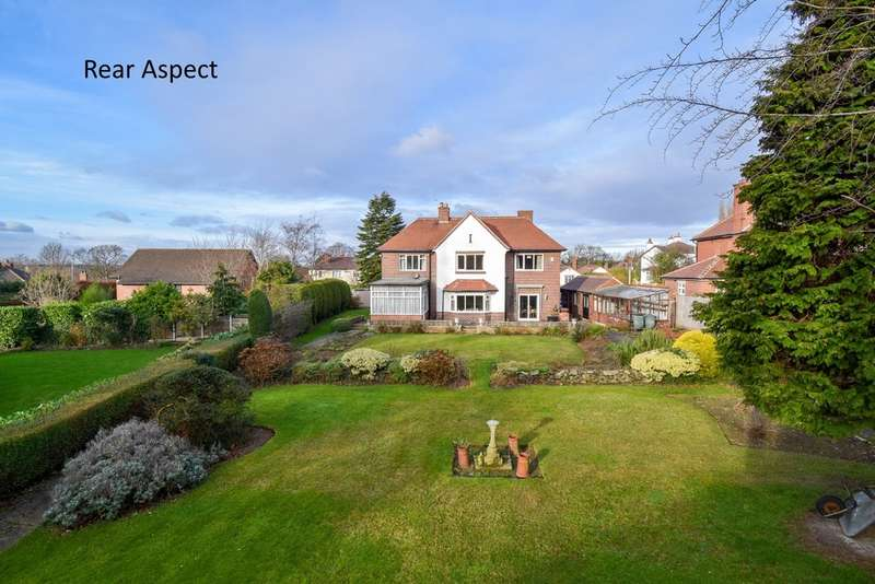 4 Bedrooms Detached House for sale in Carr Lane, Sandal, Wakefield