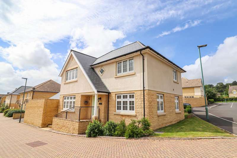 4 Bedrooms Detached House for sale in Wesley Drive, Winchcombe