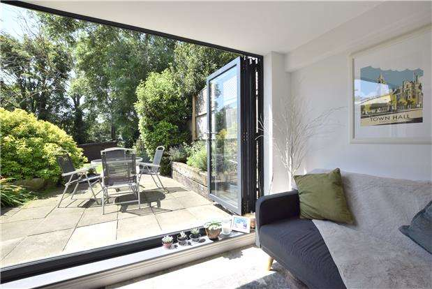 3 Bedrooms End Of Terrace House for sale in London Road, Charlton Kings, CHELTENHAM, Gloucestershire, GL52