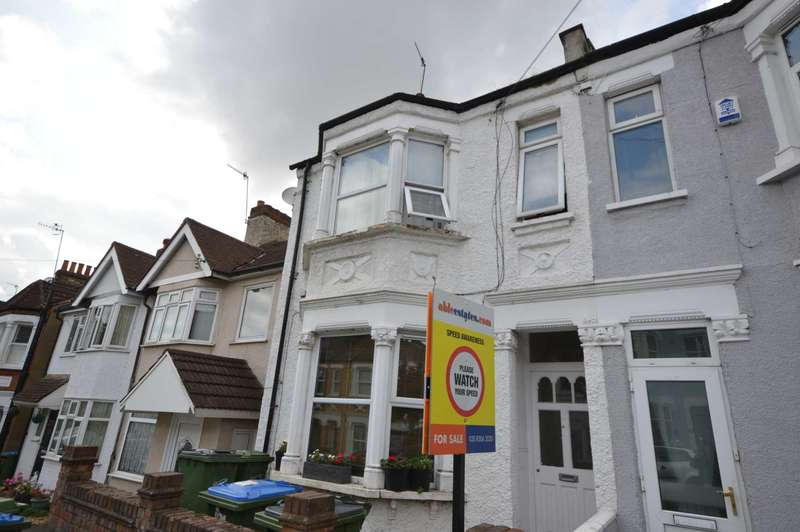 2 Bedrooms Flat for sale in Gatling Road, London