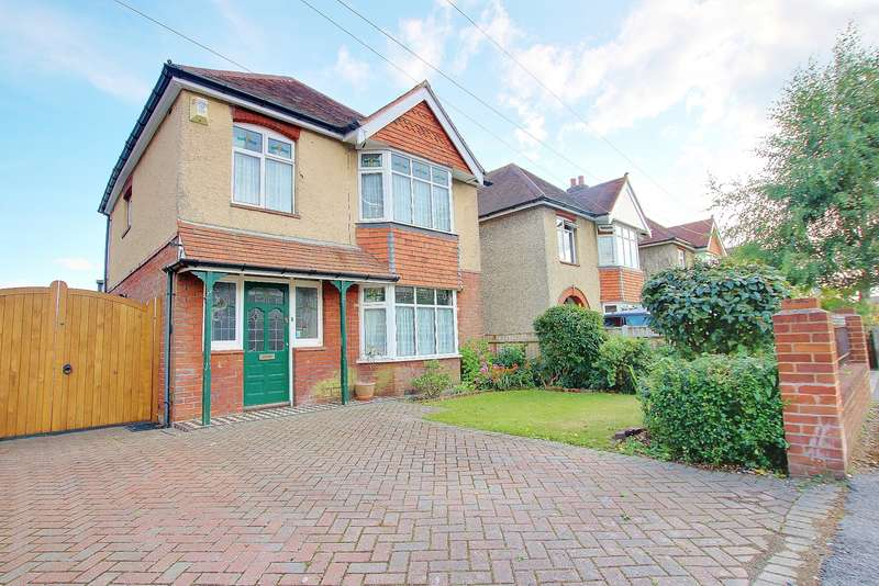 3 Bedrooms Detached House for sale in NO CHAIN! EXTENDED! IMPRESSIVE GARDEN! GARAGE!