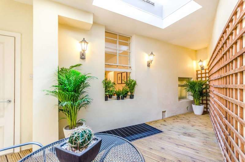 4 Bedrooms Flat for sale in Vine Hill, Clerkenwell, EC1R