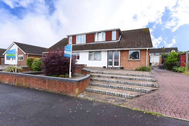 3 Bedrooms Semi Detached House for sale in Windmill Avenue, Wokingham