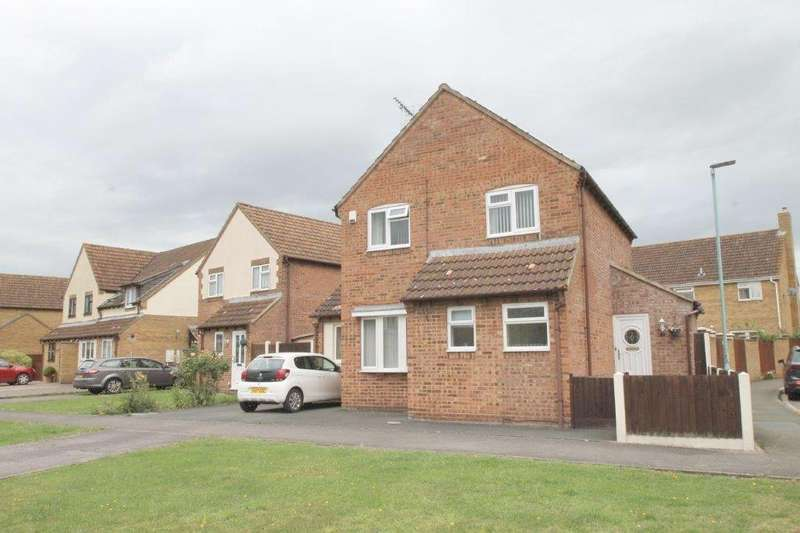 4 Bedrooms Detached House for sale in Kestrel Way, Northway, Tewkesbury