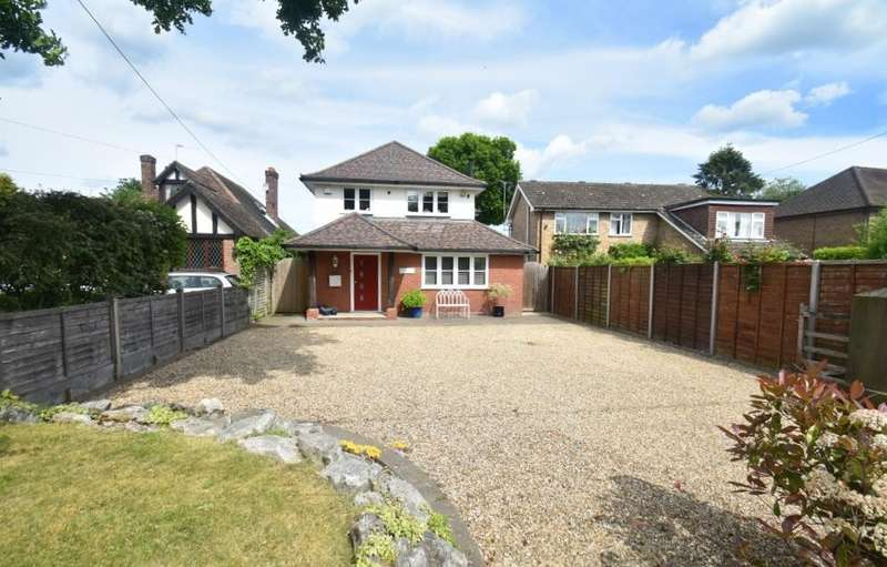 4 Bedrooms Detached House for sale in Bellingdon, Chesham, HP5