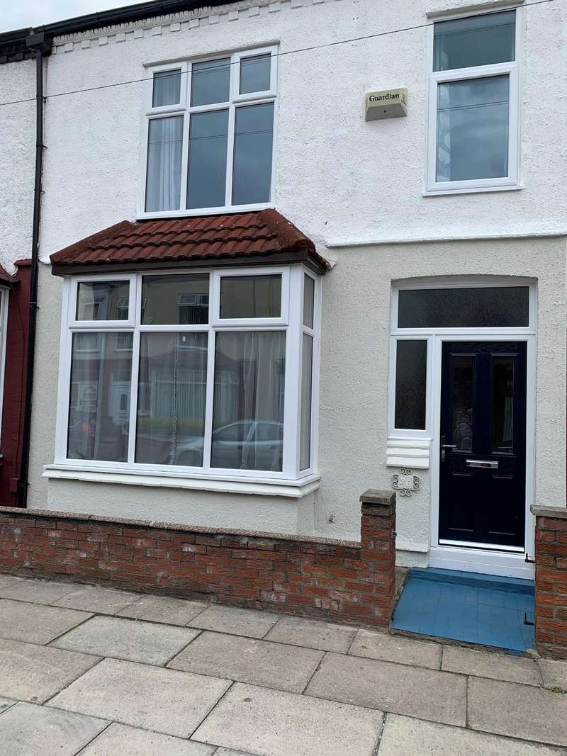 3 Bedrooms Terraced House for rent in Montrose Road Old Swan L13