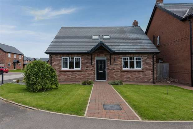 3 Bedrooms Detached Bungalow for sale in Keekle Meadows Road, Cleator Moor, Cumbria