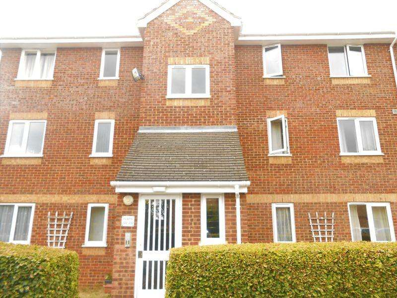 2 Bedrooms Flat for sale in Walpole Road, Burnham NO CHAIN