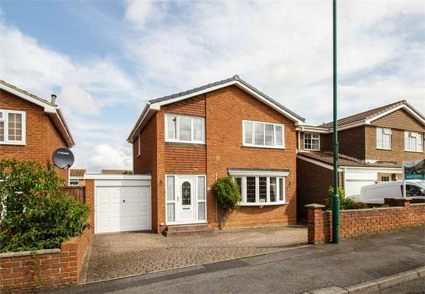 3 Bedrooms Detached House for sale in Woodbrook Close, New Marske, Redcar, North Yorkshire