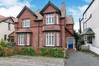 8 Bedrooms Detached House for sale in Church Walks, Llandudno, Conwy, North Wales, LL30