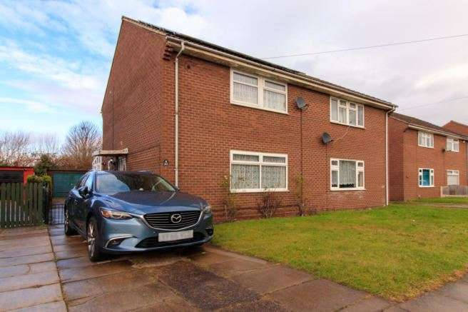 3 Bedrooms Property for sale in Old Hexthorpe, Doncaster, South Yorkshire, DN4 0DX