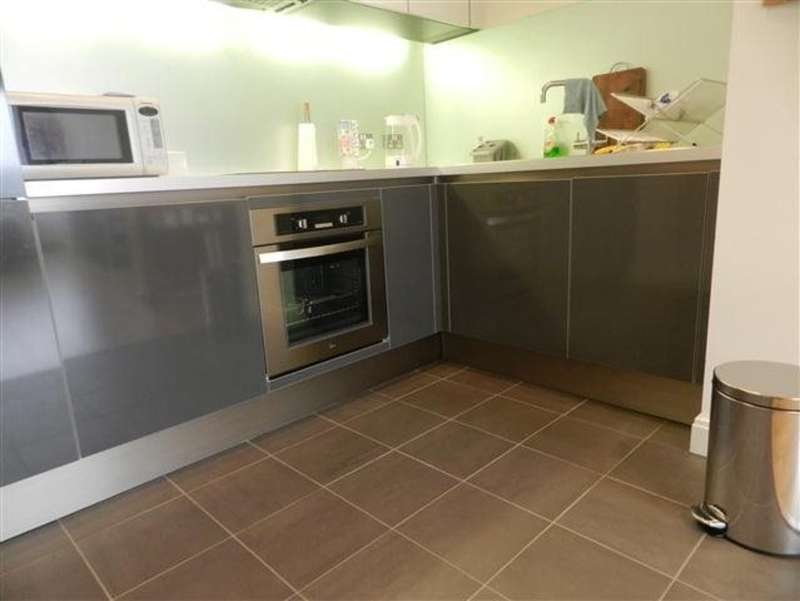 2 Bedrooms Flat for rent in One Park West, 3 Kenyons Steps, Liverpool