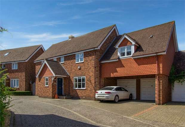 4 Bedrooms Detached House for sale in Saunders Close, Elsenham, Bishop's Stortford, Essex