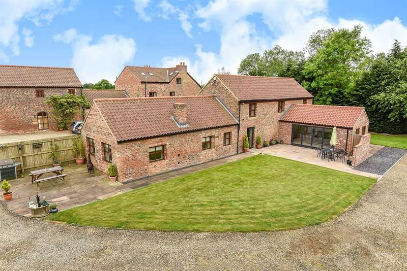 4 Bedrooms Barn Conversion Character Property for sale in York Road, Thirsk, YO7 3AD