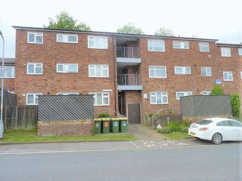 2 Bedrooms Flat for sale in Old Barn, St Julians, Newport